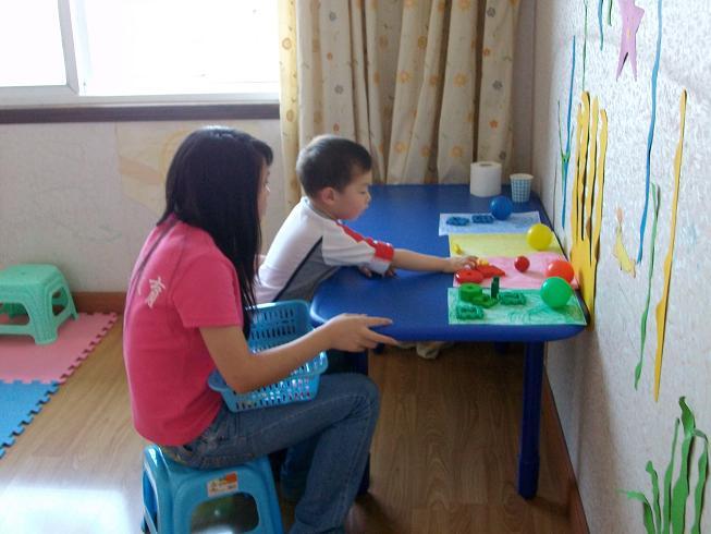 康复训练,重庆特殊儿童教育请选融智特殊儿童(自闭症